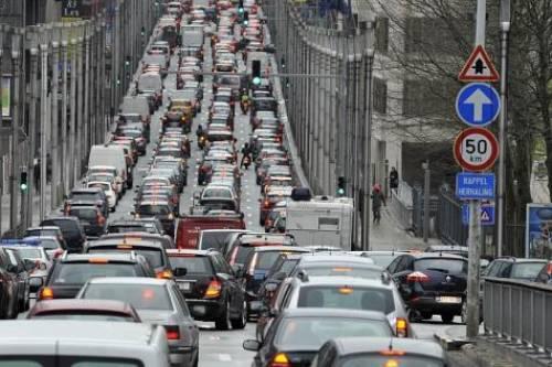 Taxe au kilomètre pour les voitures particulières: pas avant 2023 en Flandre
