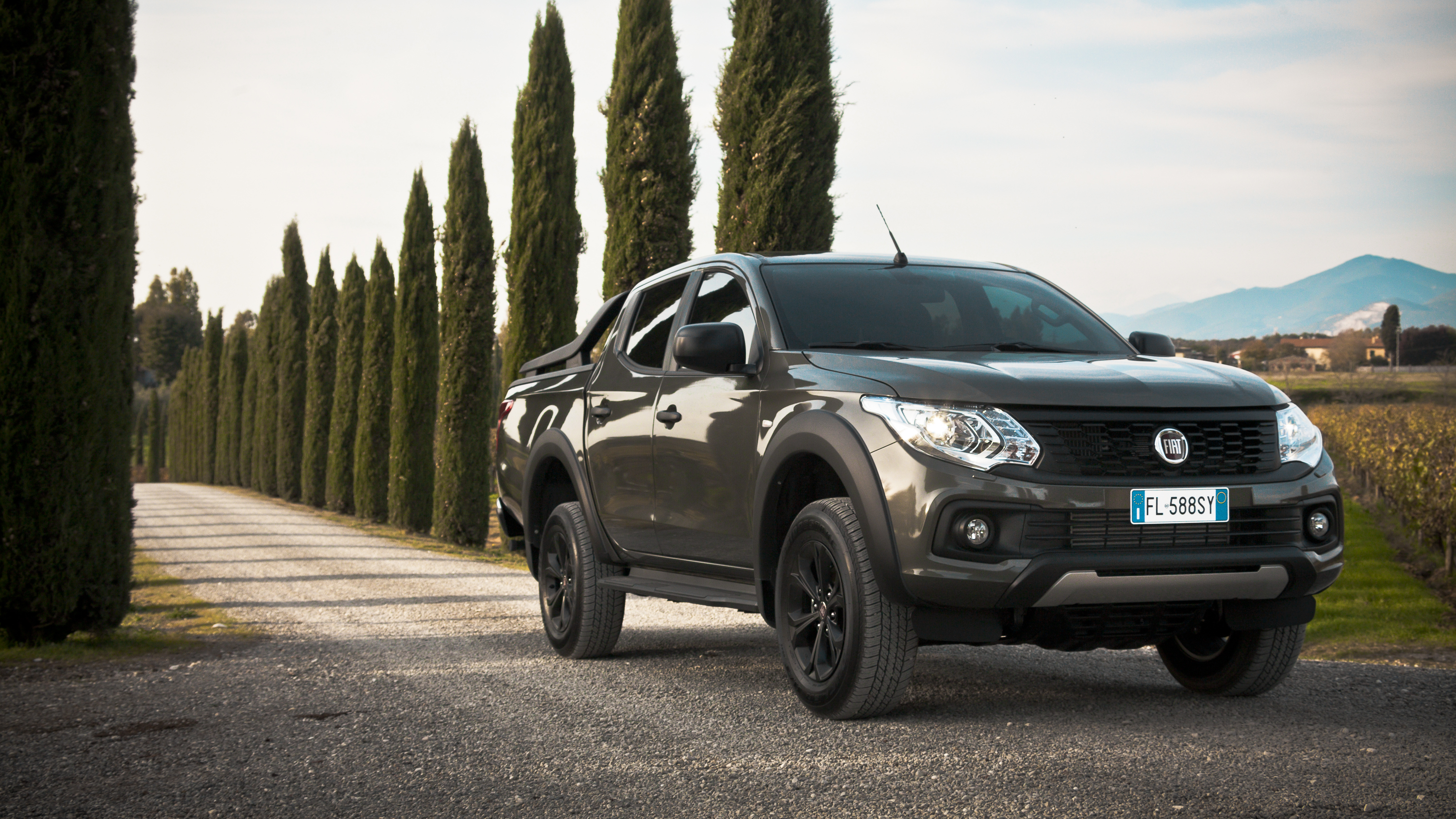 essai fiat fullback cross cette fois l italien se d marque link2fleet for a smarter mobility. Black Bedroom Furniture Sets. Home Design Ideas