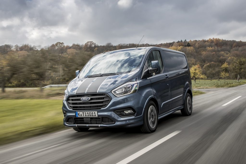 Nouveau Ford Transit Custom >> Essai Ford Transit Custom Un Peu Plus Pres Des Vp Link2fleet For