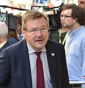 Minister van Financien Van Overtveldt bevestigt fiscale toepassing NEDC 2.0 uitstootwaarde tot 2020