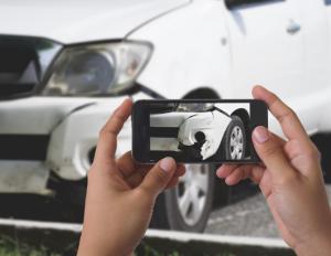 Schade aan je wagen? Baloise Insurance en Carfixer maken herstelling eenvoudiger