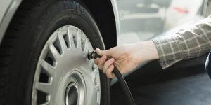 Près d'un belge sur 2 ne contrôle jamais la pression de ses pneus