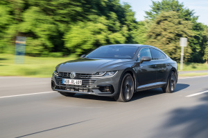 essai volkswagen arteon de l art haut de gamme link2fleet for a smarter mobility. Black Bedroom Furniture Sets. Home Design Ideas