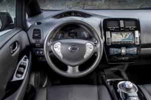 Nissan-Leaf-2016-interior